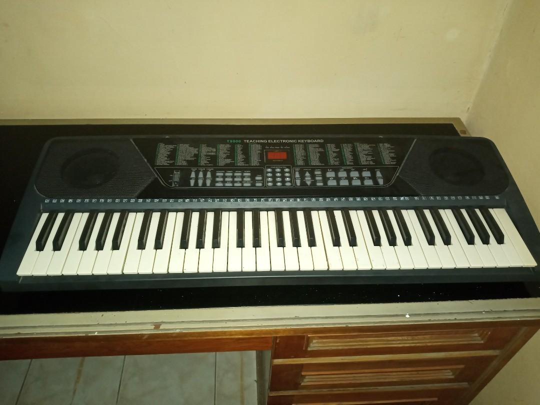Keyboard/ orgen merk techno t9000