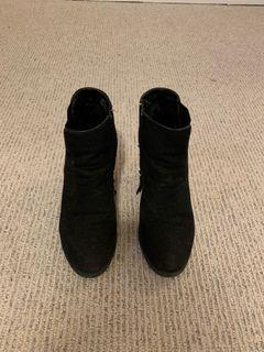 Lexie &Abbie Suede Boots