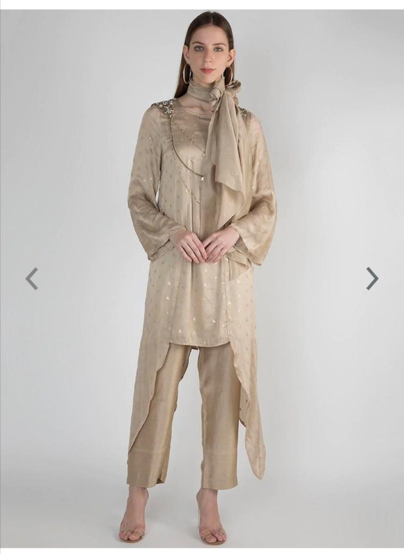 Pernia's Pop-Up Shop Pernia Pop-Up Shop By Rocky Star Women Beige Printed Kurta with Trousers, Product Code: 11148150