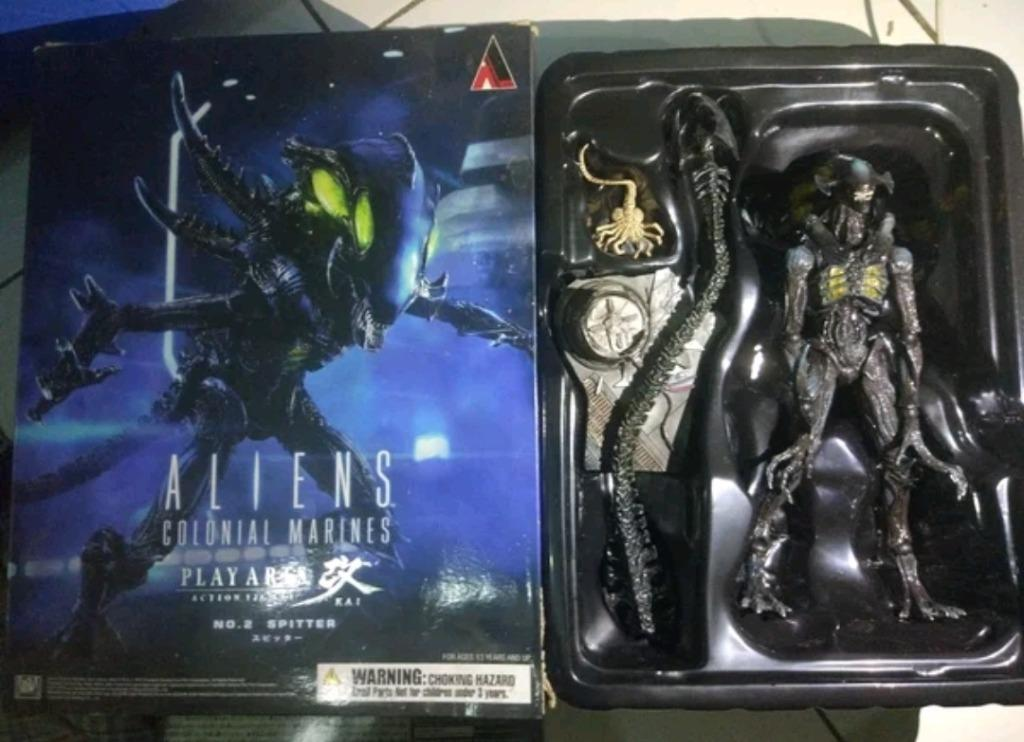 Play arts action figure alien vs predator