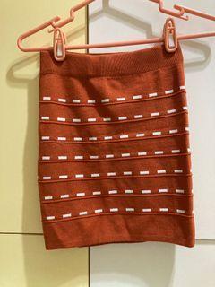 針織楓葉色鑲白窄裙