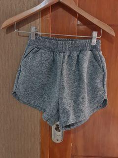 Celana pendek bangkok