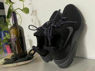 Nike專櫃正品黑色女子運動鞋跑步鞋球鞋
