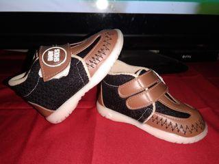 Sepatu Bayi Seperti Baru