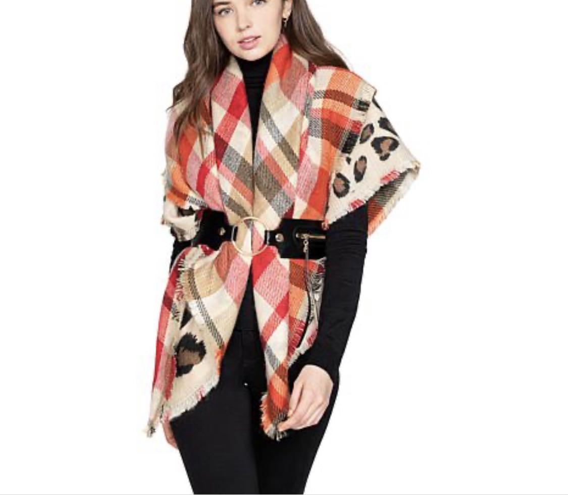 Vince Camuto Reversible blanket/scarf wrap