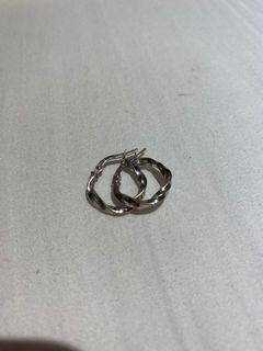 White gold hoops earings