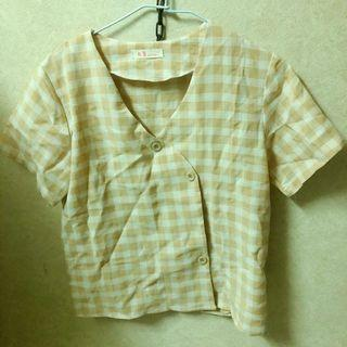 黃色格子短袖上衣