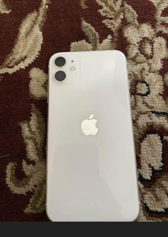 Apple IPhone 11  64GB  White Unlocked Any Carrier