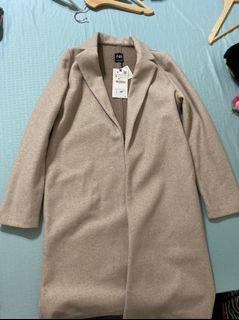 Zara Coat ( Brand new with tag on) small size