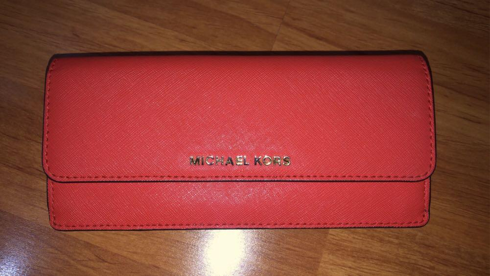 Selling Michael Kors Wallet - Vibrant Red