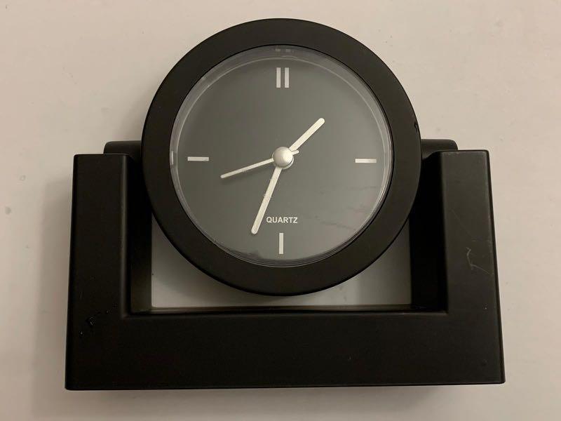 Black table top clock quartz movement