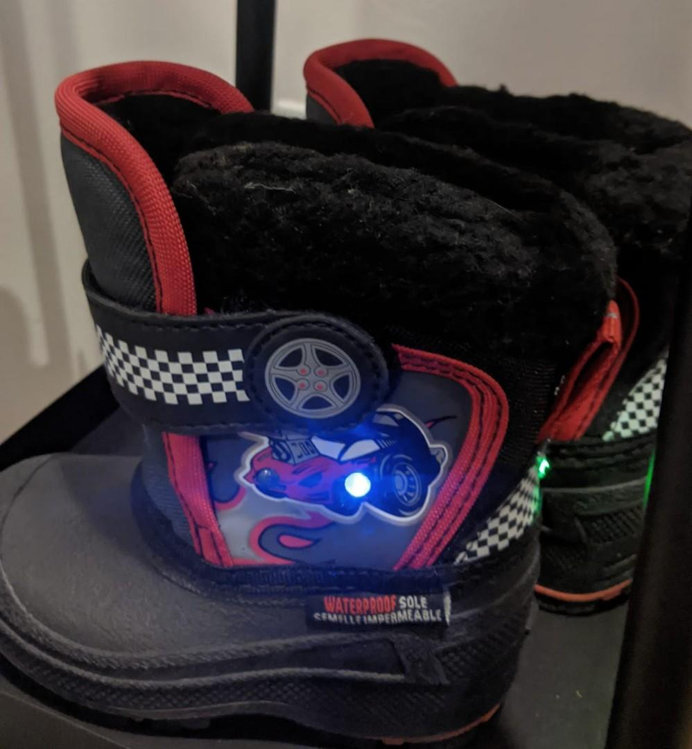 Brand New Weather Spirits Light Up Winter Boots for Toddlers