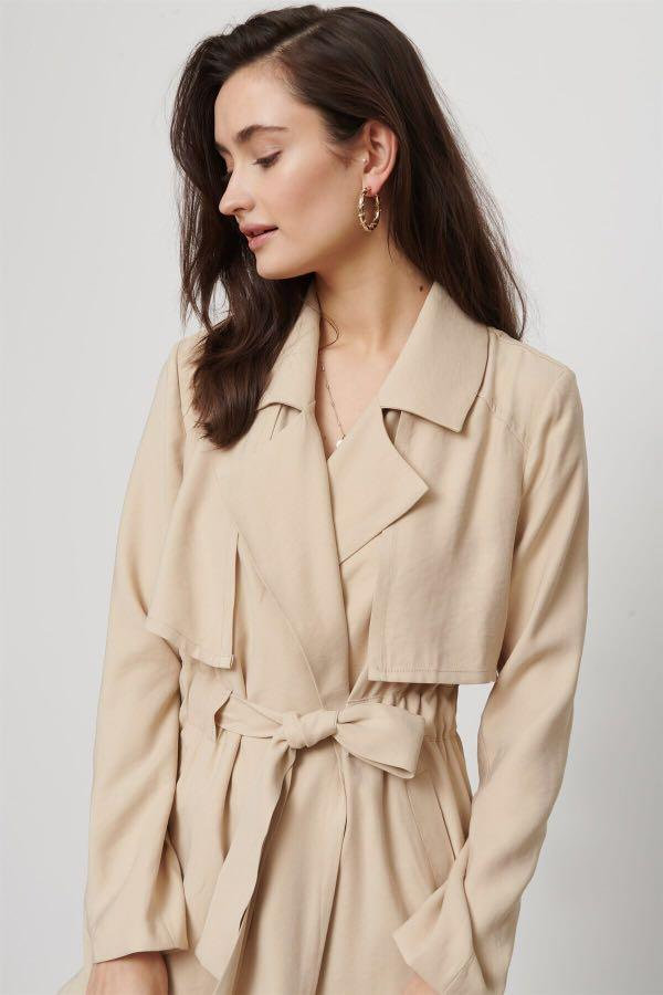 Dynamite light-weight beige belted trench coat