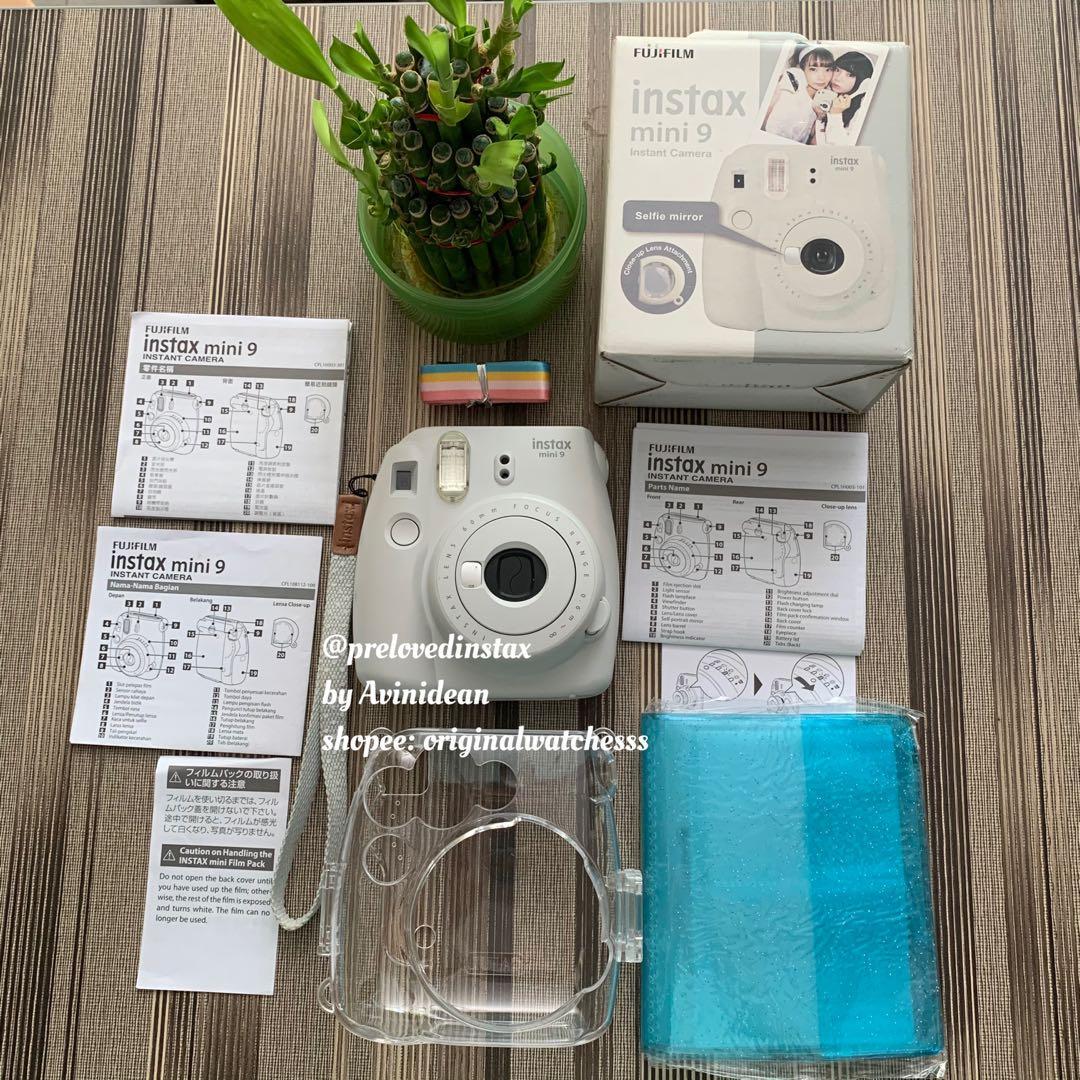 Instax Mini 9 Smokey White Free case & album