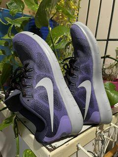 Nike 女生運動鞋跑步鞋球鞋