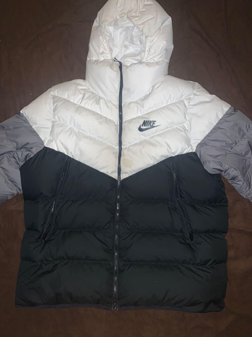 Nike Puffer Jacket Size XXL (Black, White, Grey)
