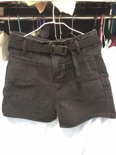 牛仔短褲送皮帶 全新未穿 s號 很寬鬆,xl可穿