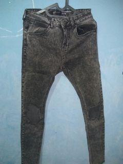 Bershka ripped jeans. celana robek