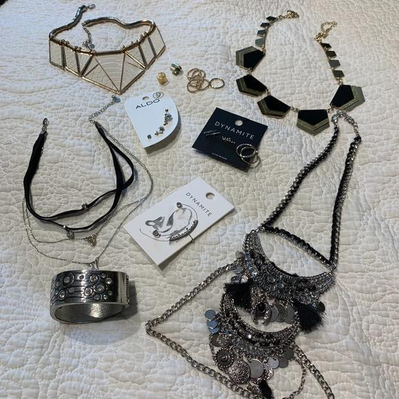 bundle of 10 pieces of silver & gold jewelry
