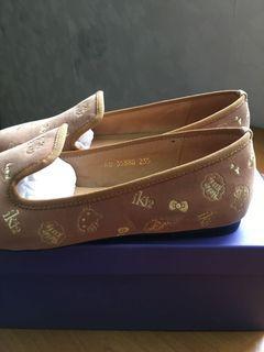 Hello kitty 聯名款電繍福樂休閒鞋23.5cm