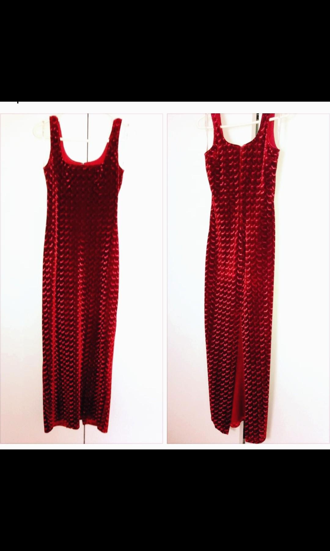 Laura Petites Red Crushed velvet dress gown