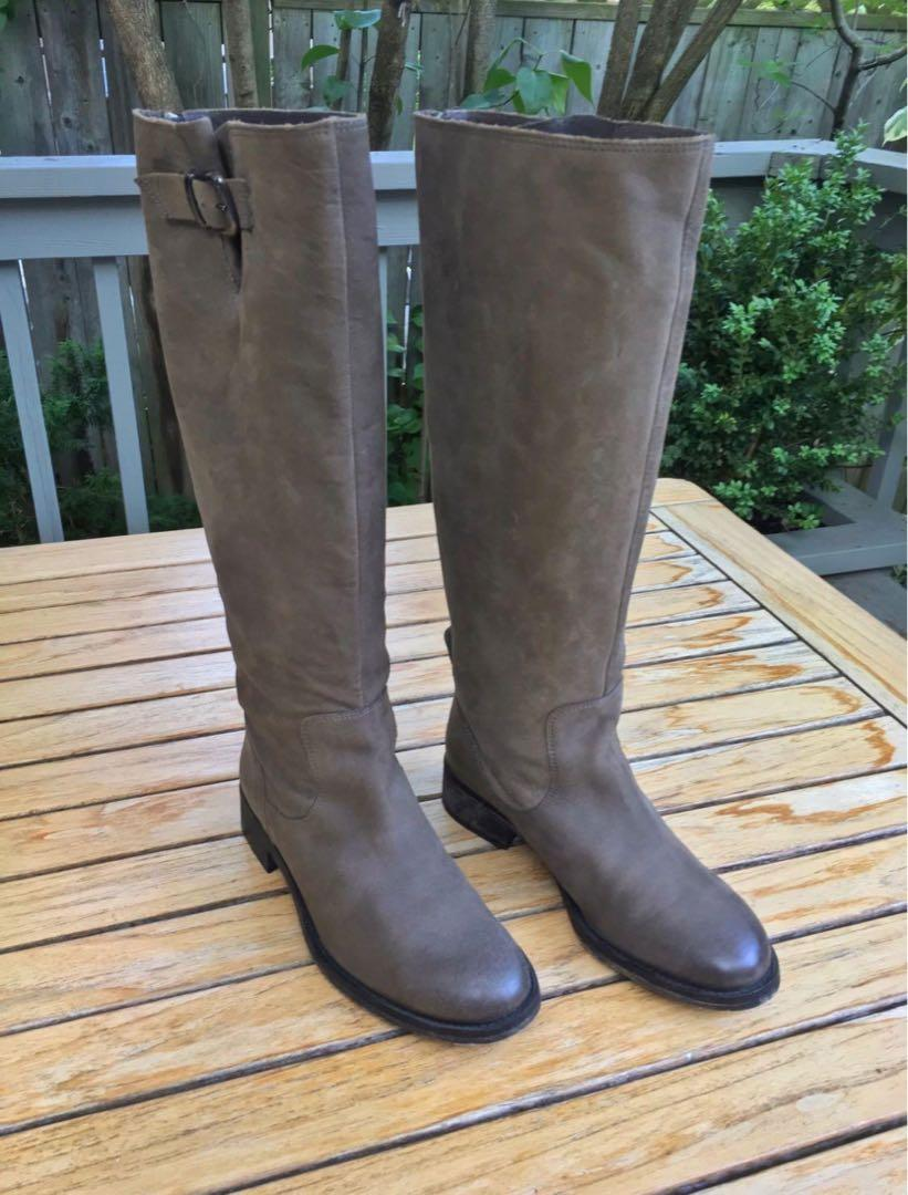 STUNNING NEW Size 37 Rustic ALL LEATHER boots with back zippers