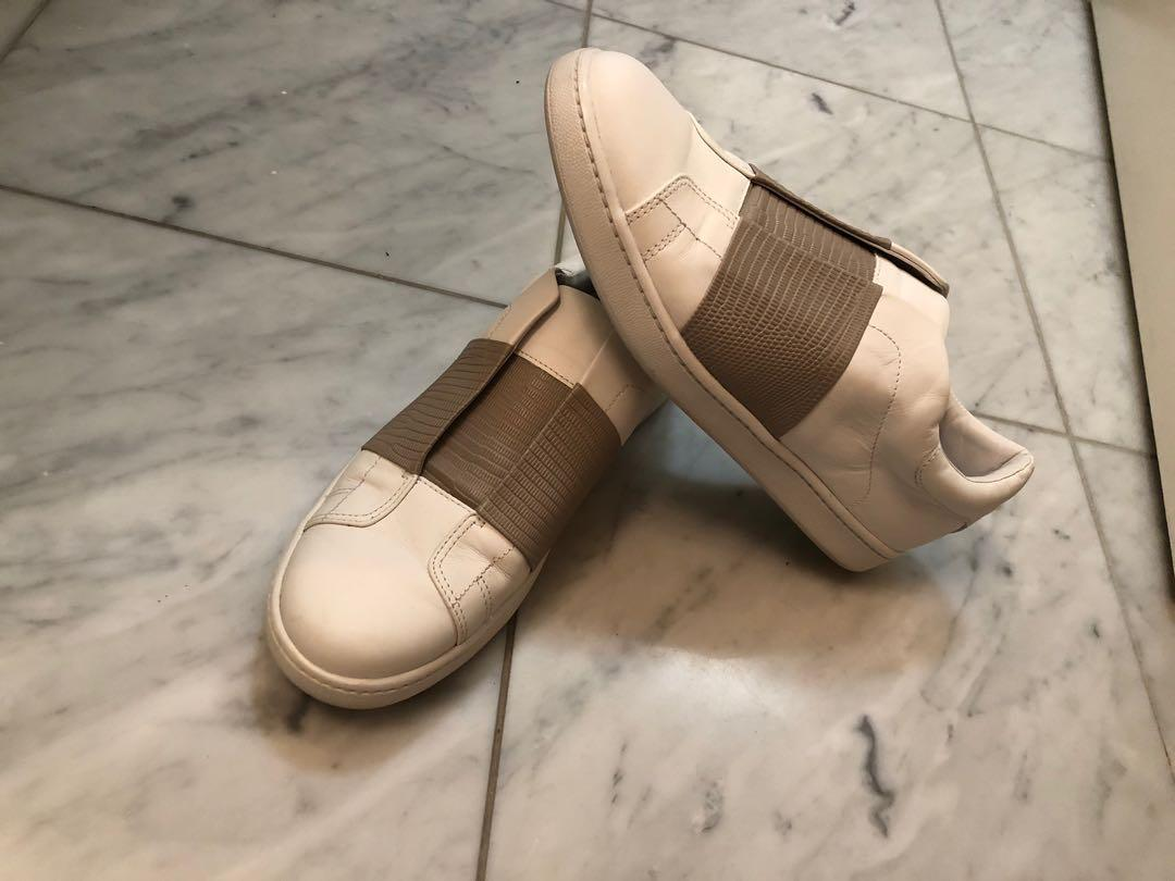 Vince Sneakers Size 7.5