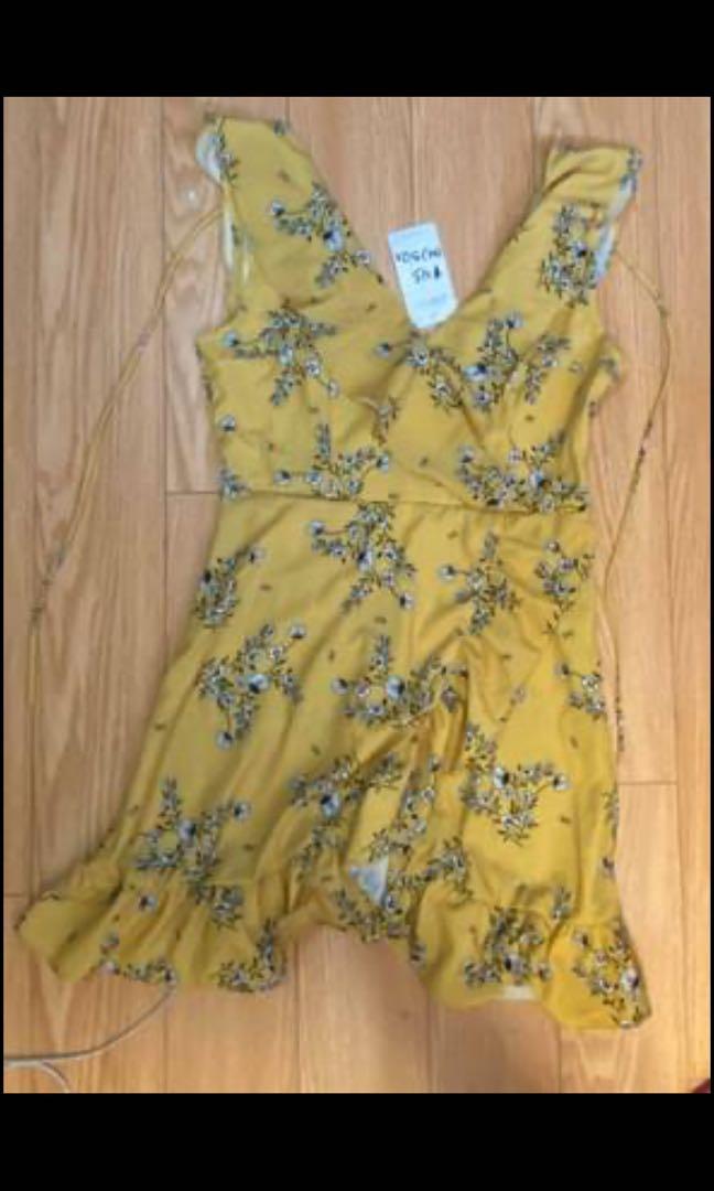 Yellow dress size m