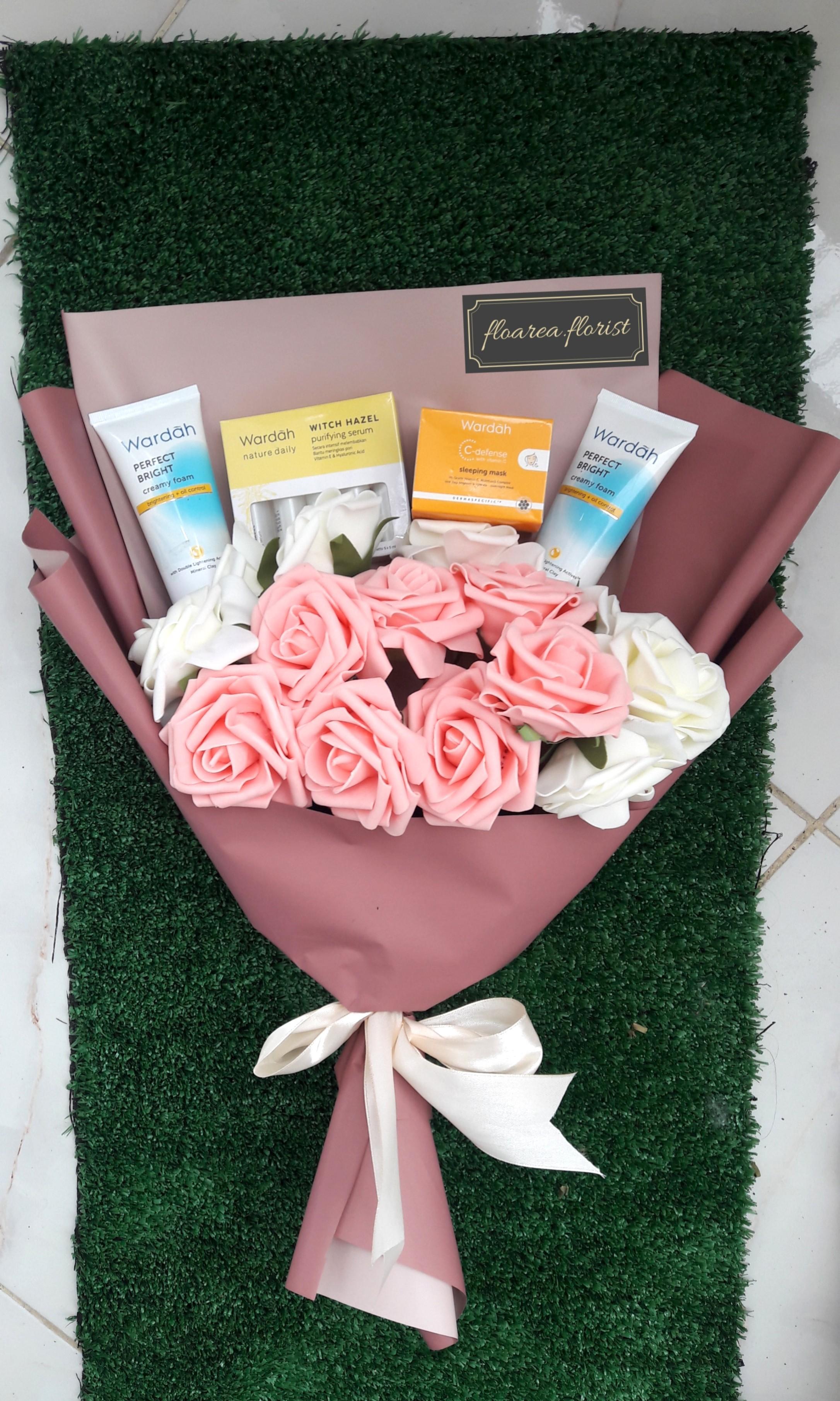 Bouquet Flowers / buket bunga / buket wisuda / hadiah wisuda / bunga artificial / bunga palsu/ buket skincare / skincare bouquet ukuran besar