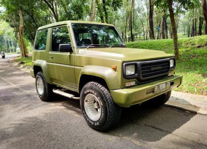 Mobil Daihatsu Taft 1990 Diesel dijual