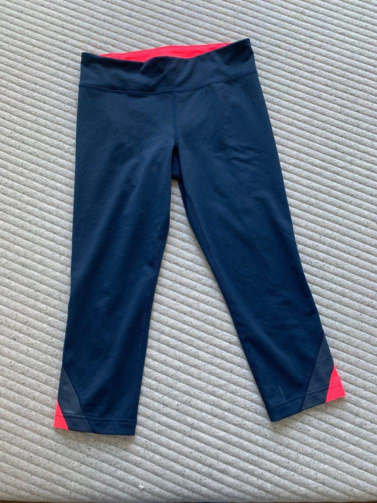 Navy Blue Under Armour 3/4 leggings - Size 6
