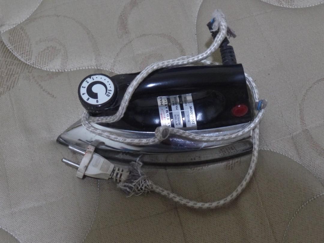 Setrika Listrik - Iron