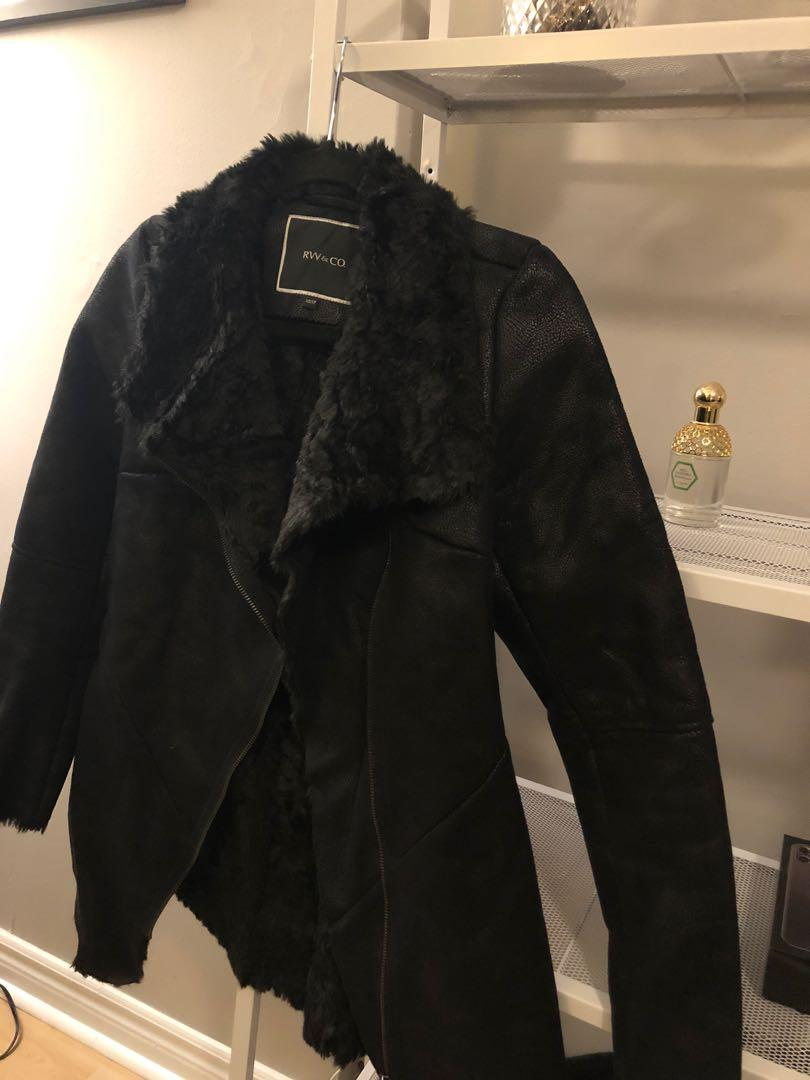 Small Rw&co faux leather and fur jacket