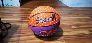Bola basket StreetK Orangeviolet
