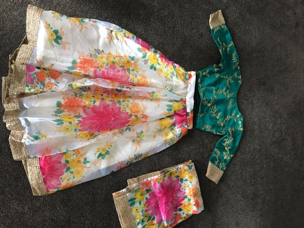 Indian floral outfit size 8-10 petite length