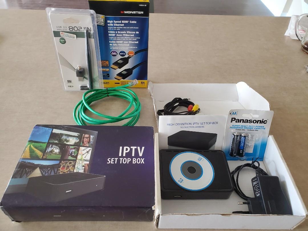 Mag 250 IPTV box + HDMI + Optical cable + Batteries