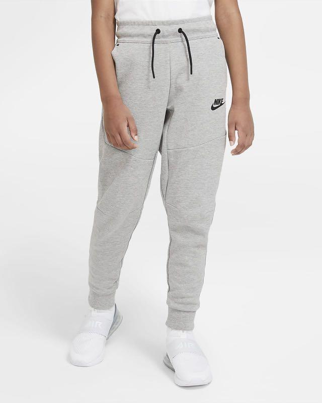Nike Tech Fleece Pants (Size L)