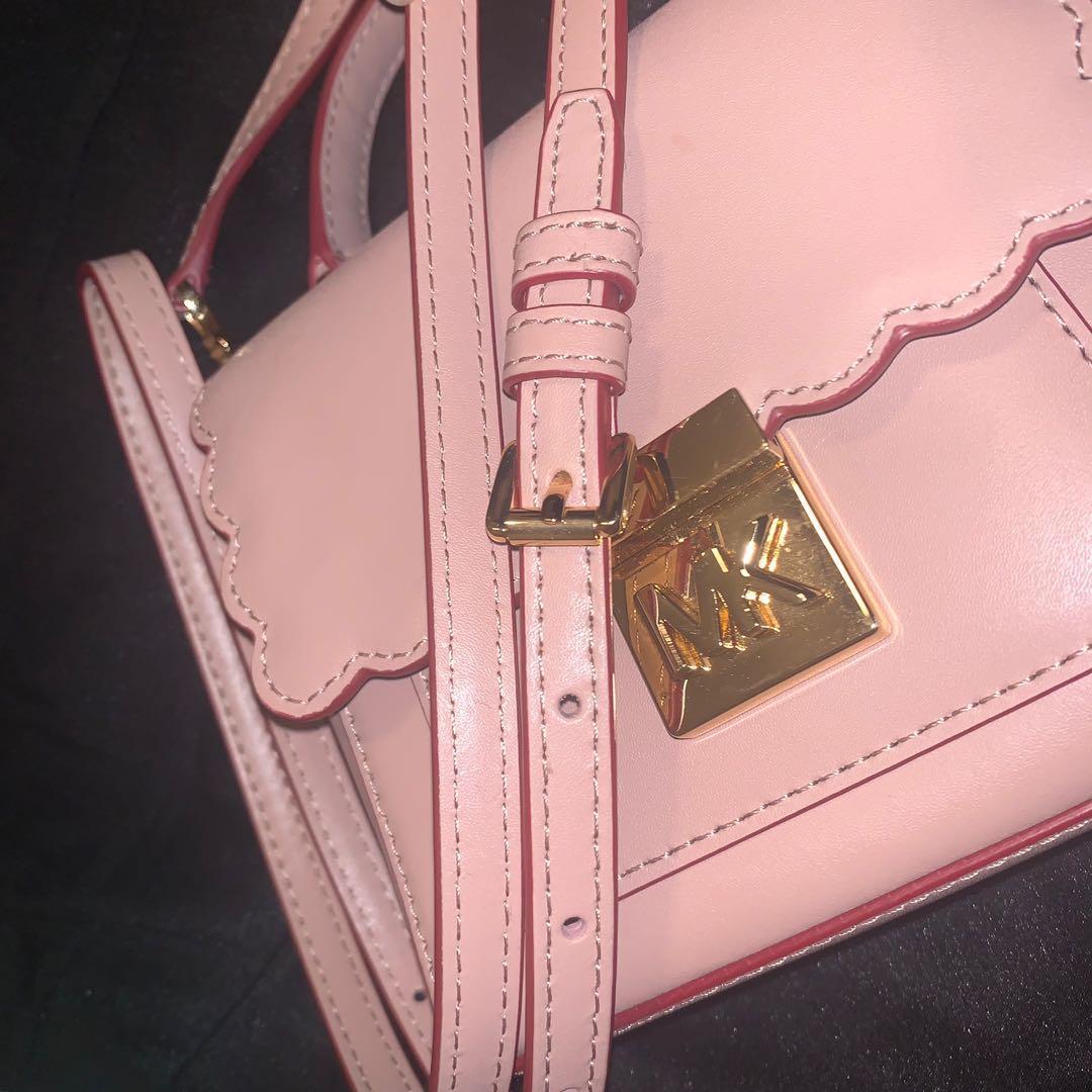 Small Micheal Kors bag