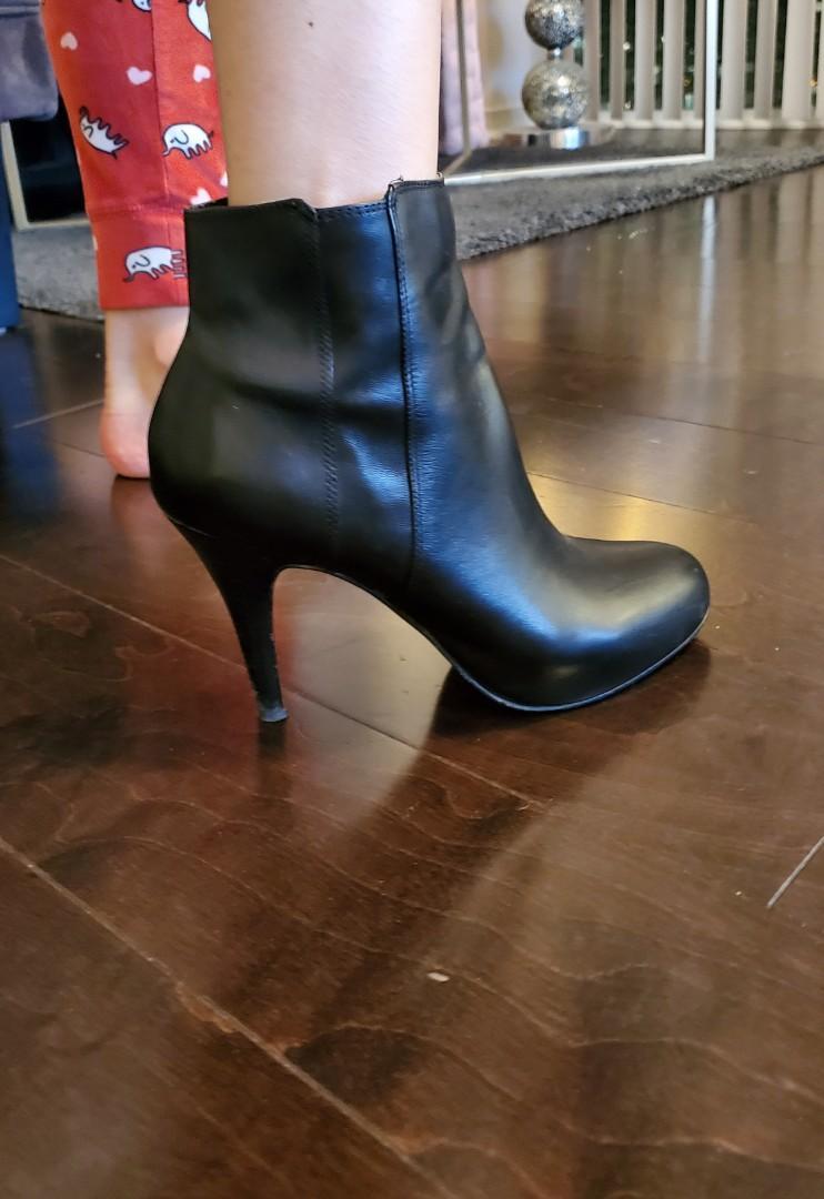 Women's Aldo Black Leather Ankle Boots - Size 7