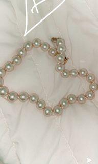 Beautiful thick huge pearl necklace!