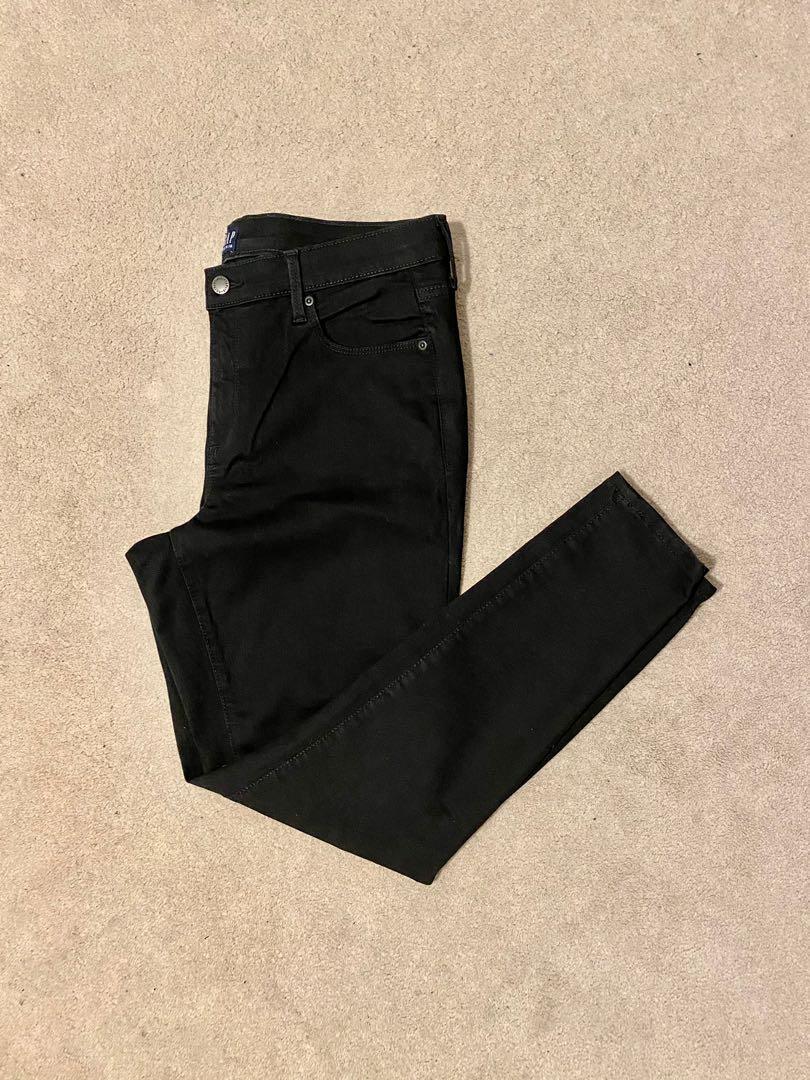 GAP skinny jeans size 14/32.