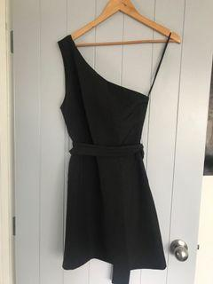 One shoulder Atmos & Here dress