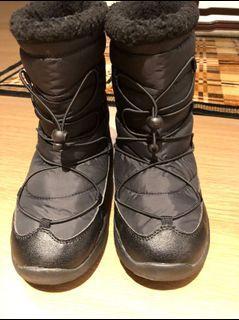 日本防滑防水雪靴24cm 極新