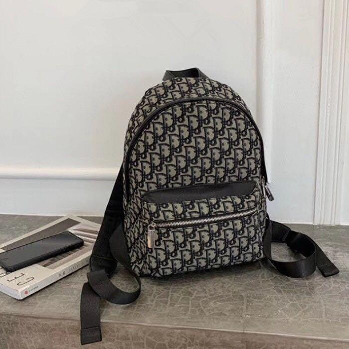 Backpack signature canvas