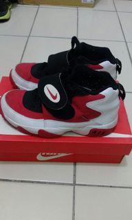 正品Nike US4Y