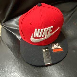 NIKE logo帽 紅黑色