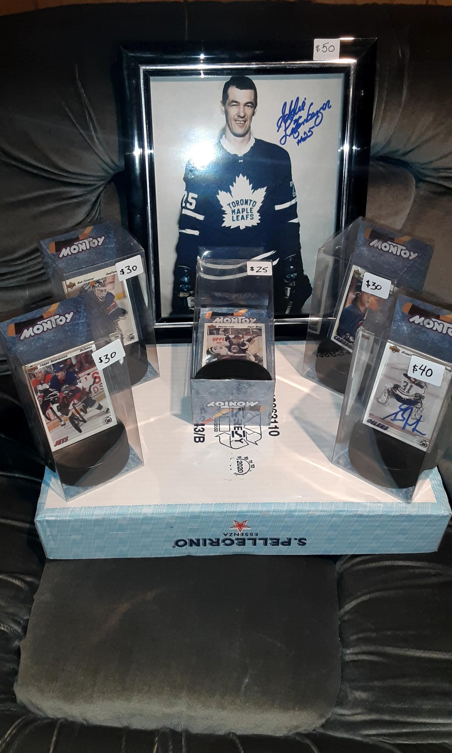 Quick sport gift ideas, autograph cards, specialty cards
