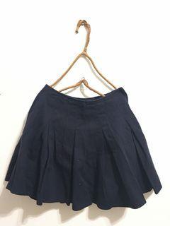 9成新 PAZZO 硬挺斜紋布類百摺裙 原價$590 售$200 #我媽的