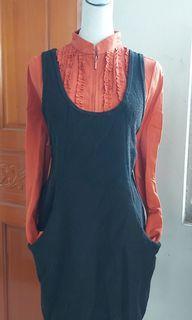 黑色背心裙,橘色上衣