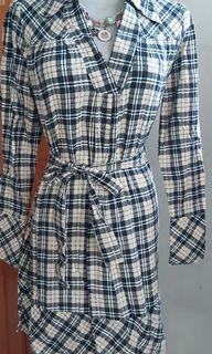 格子輕毛料洋裝